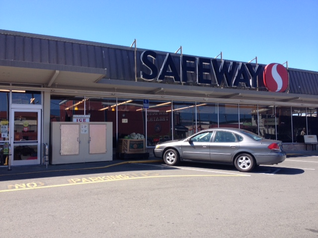Safeway Store Front Picture at 155 E 1st St in Coquille OR