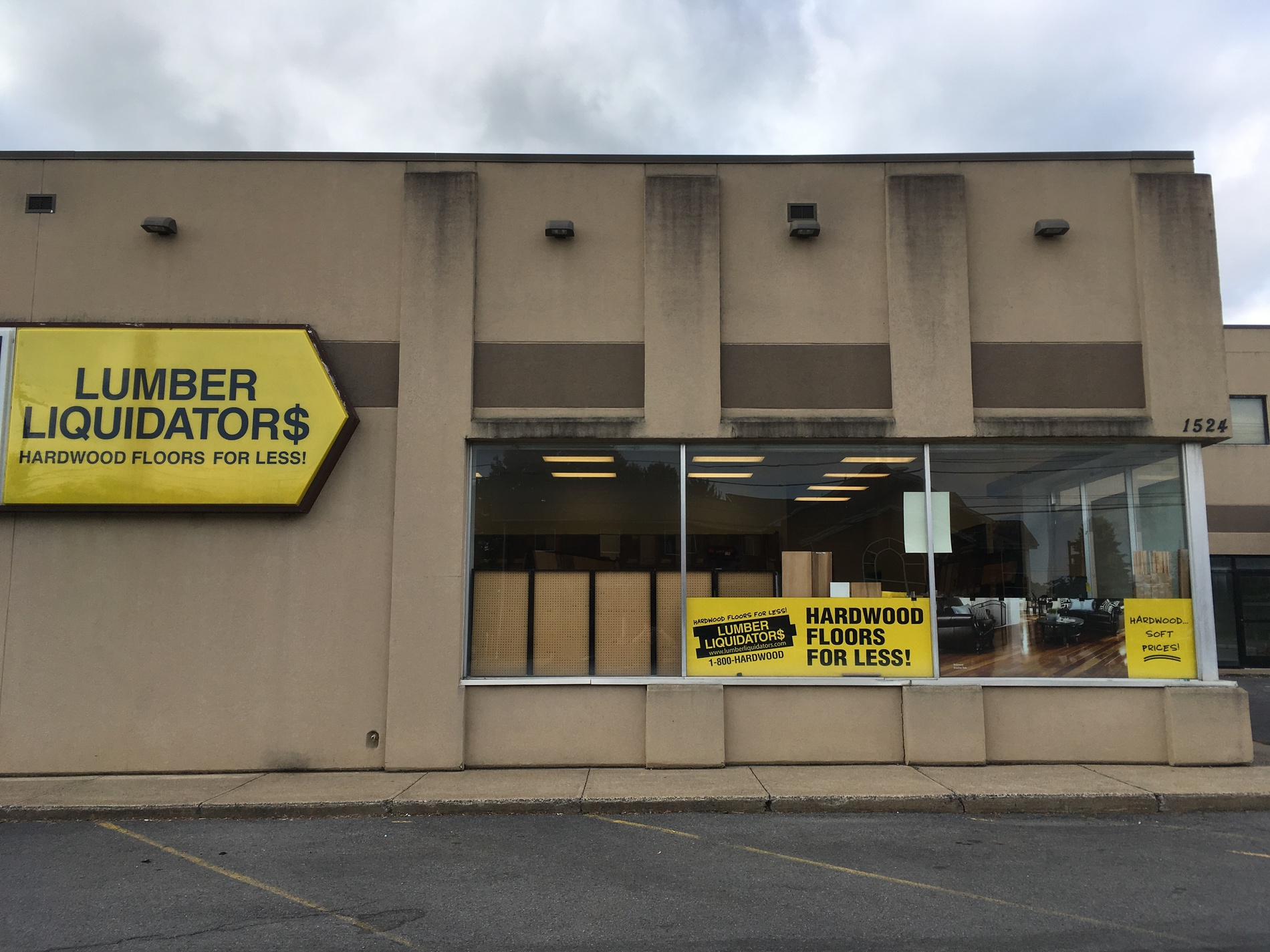 Lumber Liquidators Flooring #1269 State College | 1524 North Atherton Street | Store Front