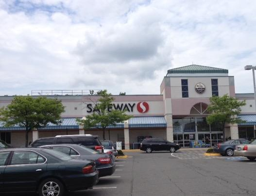 Safeway Store Front Picture at 12200 W Ox Rd in Fairfax VA