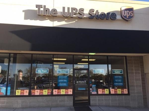 Exterior storefront image of The UPS Store #4375 in Blue Springs, MO