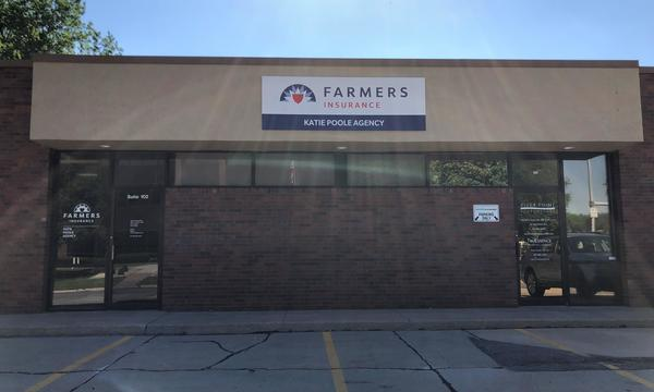 Photo of the outside of a Farmers Insurance agency.