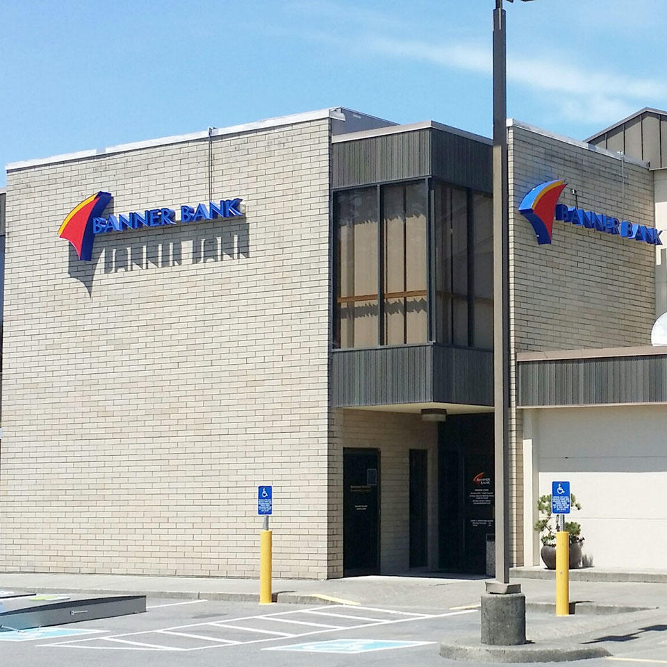 Banner Bank branch in Coos Bay, Oregon