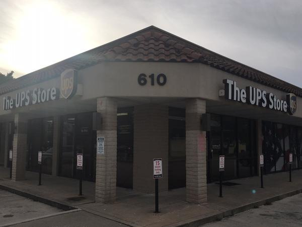 Exterior Storefront Image Of The UPS Store #653 In Springfield, MO
