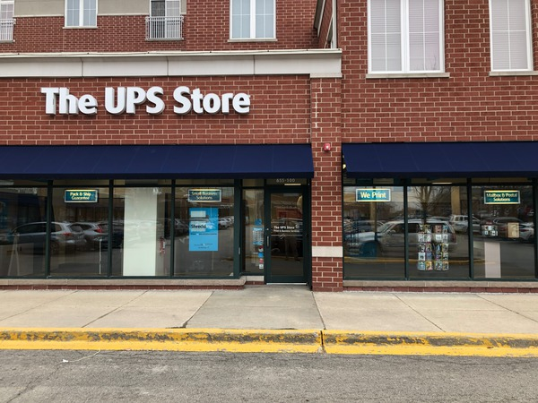 Facade of The UPS Store Deerfield