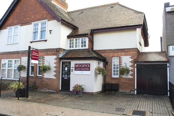 Moodys Funeral Directors in Highcliffe On Sea