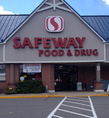 Safeway Store Front Picture at 6130 Rose Hill Dr in Alexandria VA