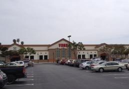 Vons Store Front Picture at 6040 Telegraph Rd in Ventura CA