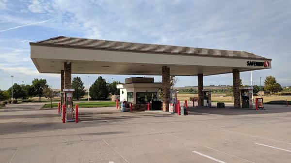 Safeway Fuel Station Store Front Picture - 1535 Main St in Windsor CO