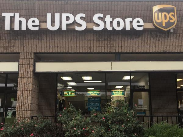 Facade of The UPS Store Raytown