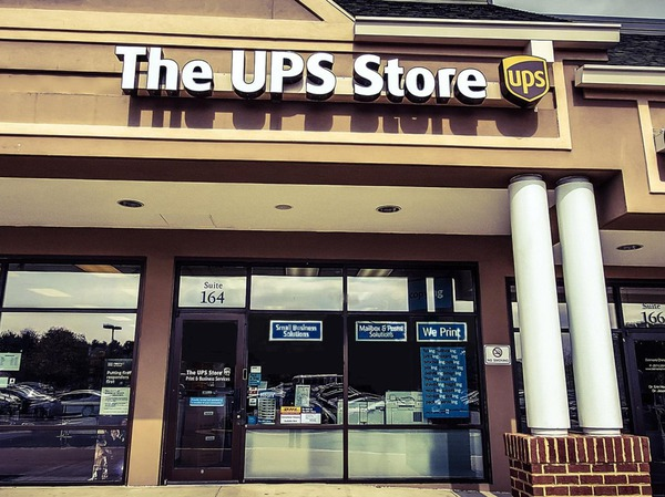 Facade of The UPS Store Ashburn