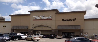 Tom Thumb Store Front Picture at 315 S Hampton Rd in Dallas TX