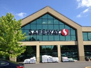 Safeway Store Front Picture at 17230 140th Ave in Renton WA