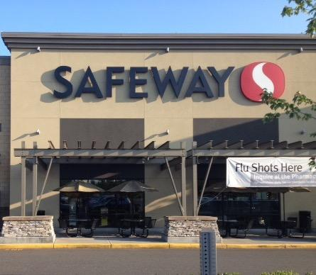 Safeway 176th St E Store Photo