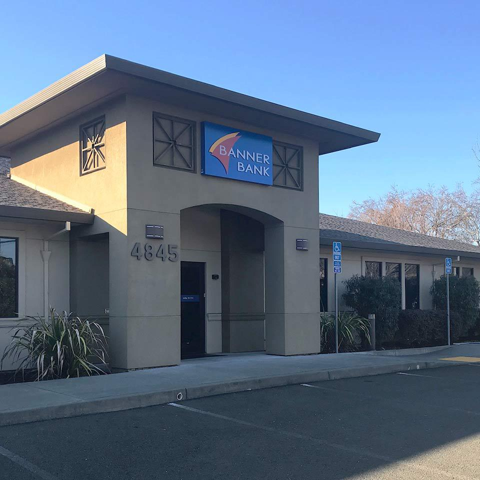 Banner Bank branch in Santa Rosa, California