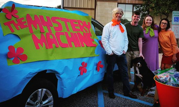Photo of Agents with Scooby Doo Mystery Machine