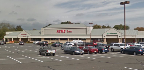 Acme Markets store front picture of store at 531 High St in Mount Holly NJ