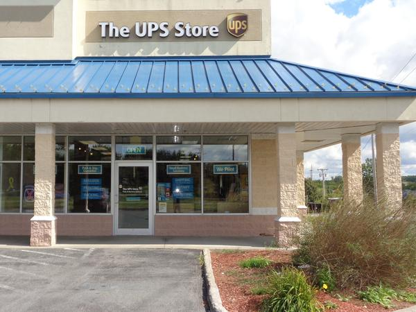 Facade of The UPS Store Evans Mills