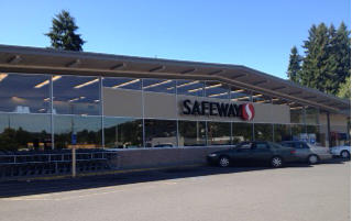 Safeway W Columbia River Hwy Store Photo
