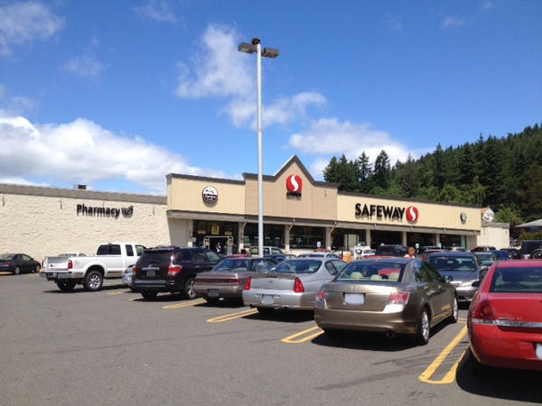 Safeway Store Front Picture at 1100 S Market Blvd in Chehalis WA