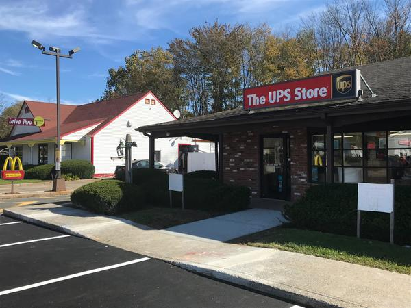 Exterior storefront image of The UPS Store #2391 in Canton, CT