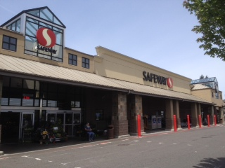 Safeway Store Front Picture at 4128 Rucker Ave in Everett WA