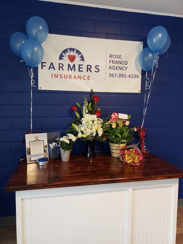 Farmers logo with flowers and balloons