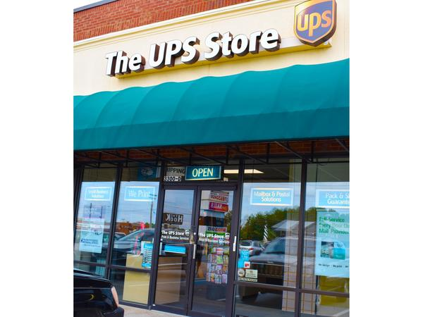 Exterior storefront image of The UPS Store #1951 in Anderson, SC