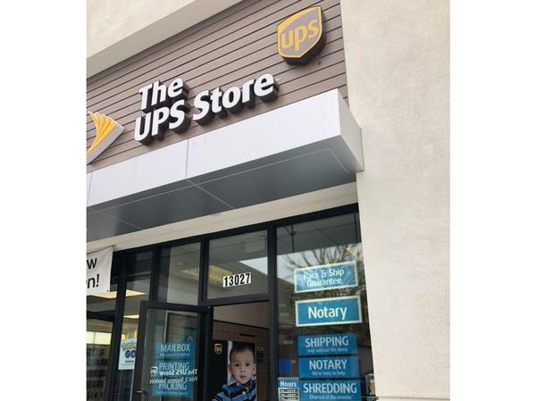 Facade of The UPS Store North Hollywood