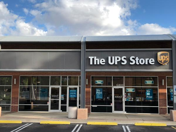 Facade of The UPS Store Phoenix