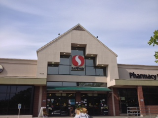 Safeway store front picture of 3020 NE 45th St in Seattle WA