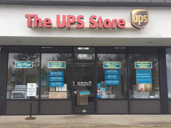Store front of The UPS Store West Linn
