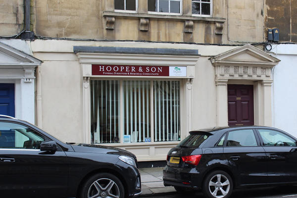 E Hooper & Son Funeral Directors in Bath