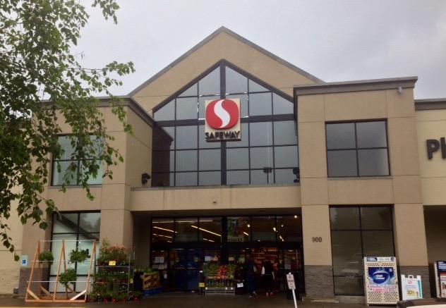Safeway Store Front Picture at 900 N Callow Ave in Bremerton WA