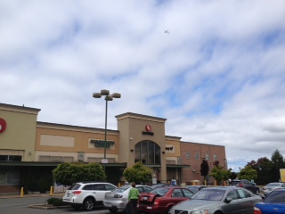Safeway Store Front Picture at 21401 Pacific Highway S in Des Moines WA