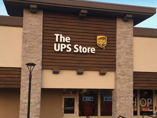 Facade of The UPS Store Laguna Hills