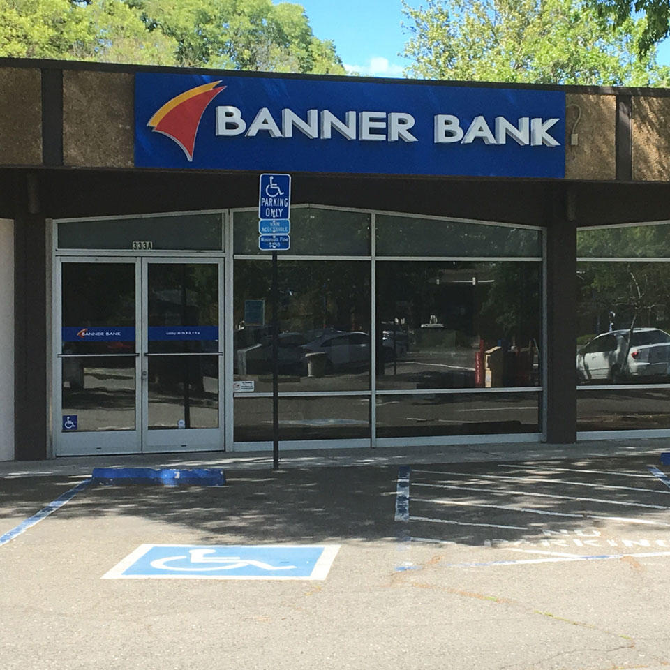 Banner Bank branch in Davis, California