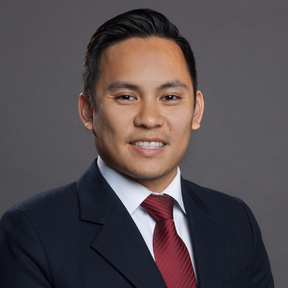 Headshot photo of Triet D Vuong, DDS