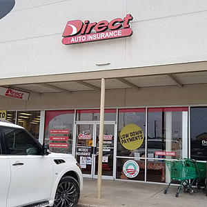 Front of Direct Auto store at 1428 Wooded Acres Drive, Waco