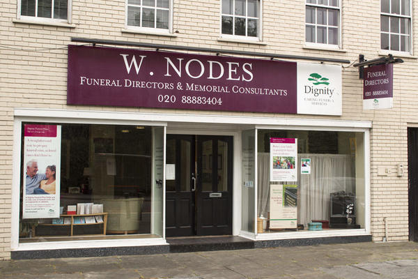 W Nodes Funeral Directors in Wood Green