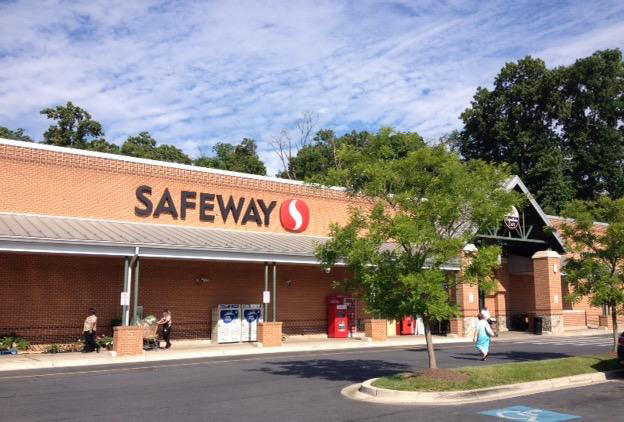 Safeway Store Front Picture at 20211 Goshen Rd in Gaithersburg MD