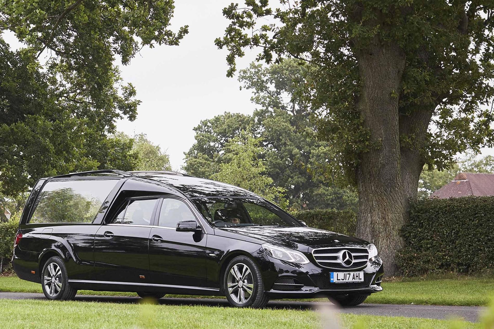 Hearse at a simple funeral | Dignity Funerals