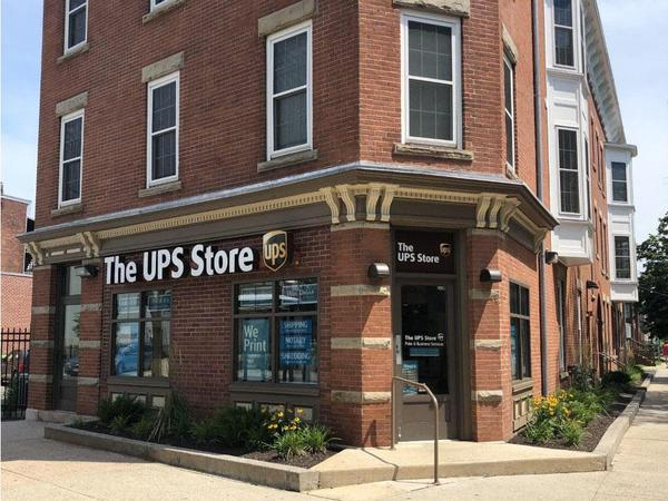 Front of The UPS Store at 33 Dixwell Ave New Haven, CT 06511