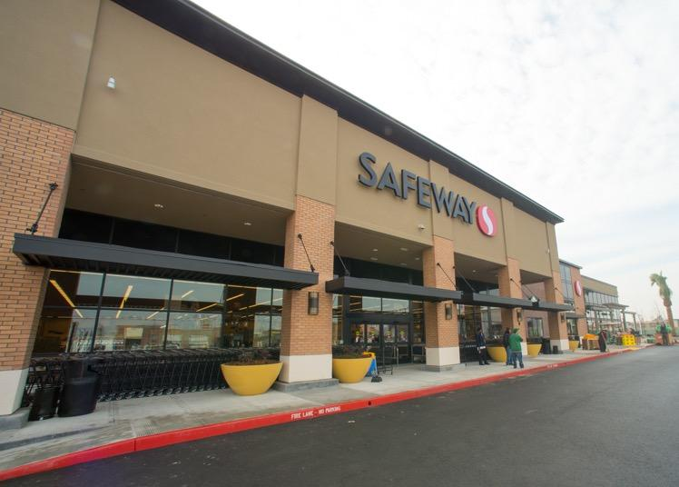 Safeway Store Front Picture at 2600 5th St in Alameda CA