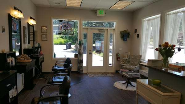Riverside Salon and Tanning