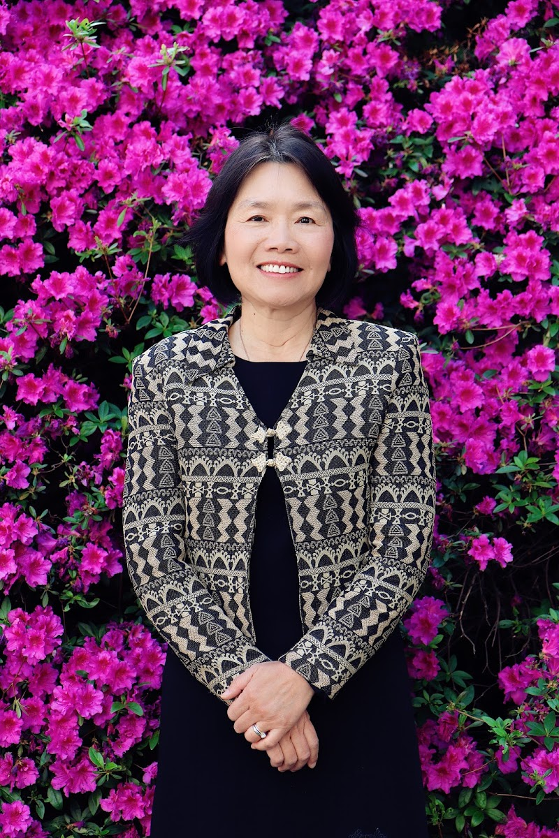 Photo of Sue Hou