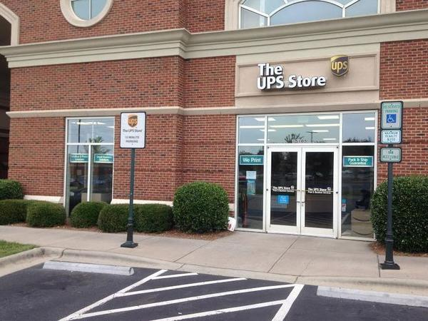 The UPS Store 3771 at at Ballantyne Commons East store front with 15-minute parking spots and handicap parking spots for customer convenience. We are located in South Charlotte at 15105-D JOHN J DELANEY DR., CHARLOTTE, NC 28277, USA.