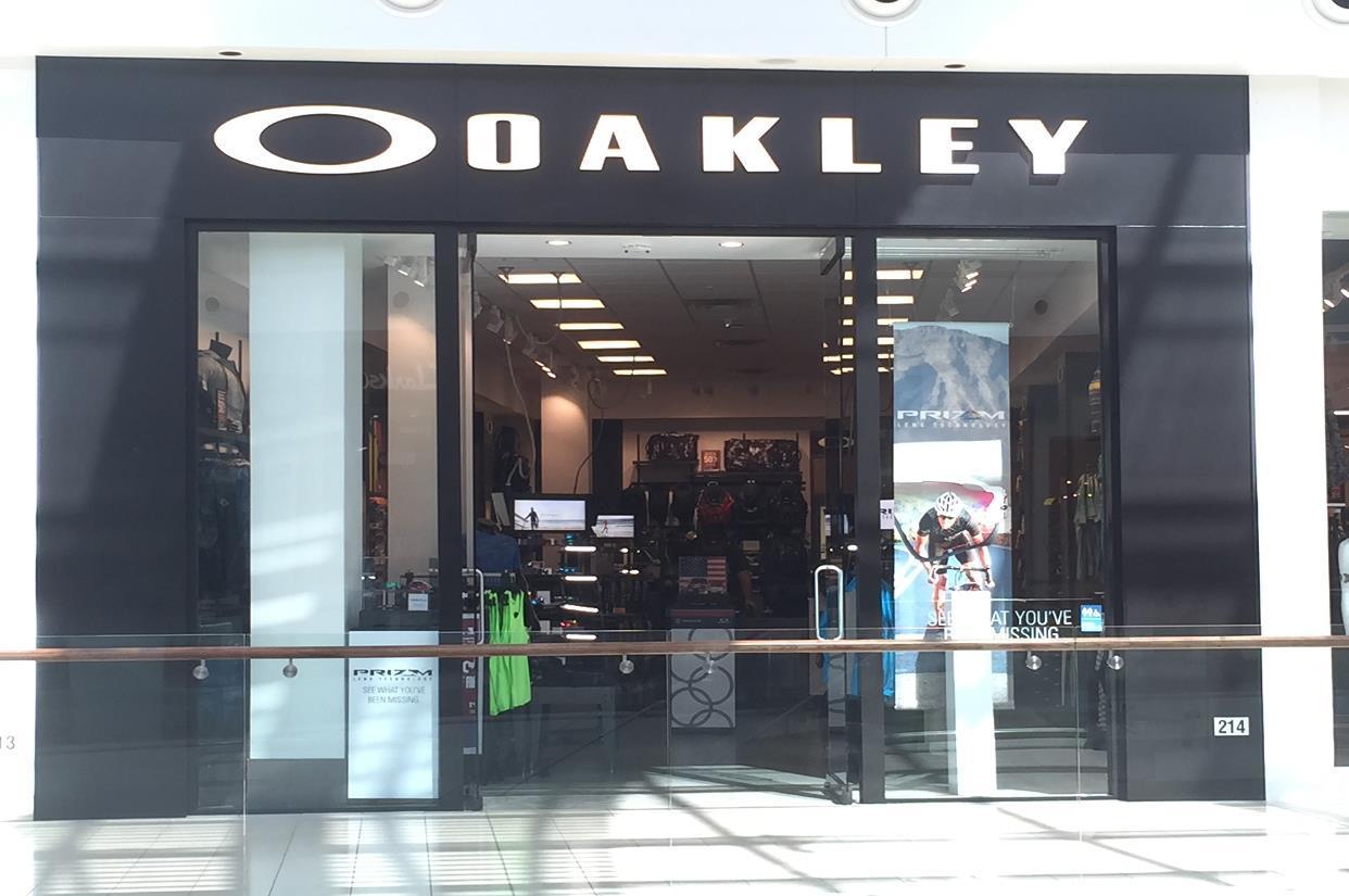 9723e7b5b10 Oakley Store in 140 University Town Center Dr Sarasota