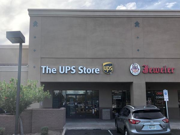 Exterior storefront image of The UPS Store #3800 in Phoenix, AZ