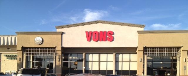 Vons Store Front Picture at 3118 S Sepulveda Blvd in Los Angeles CA