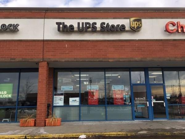 Facade of The UPS Store Gardner